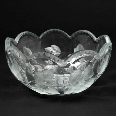 "Antique ABP Glass Linear Cut Crystal Bowl Floral Daisy & Leaves Pattern 8.5"" D"