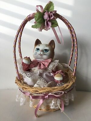 1987 Porcelain Cat Music Box Moving Figure Kitty in Basket It's a Small World