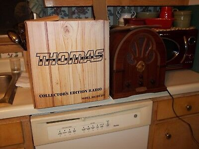 Thomas Collector's Edition  Model BD 109 AM/FM/AFC Vintage Style Radio