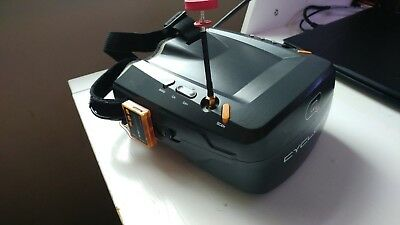 Quanum Cyclops V2 FPV Goggle w Integrated Monitor and 40ch