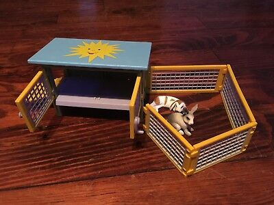Retired Schleich 41800 Rabbit Hutch Scenery Pack 2006 *pre-owned