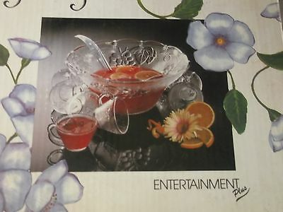 PUNCH BOWL SET,    LOVELY PUNCH  set for a great party  .NEW IN BOX