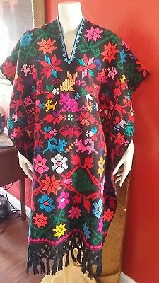 Vintage Embroidered Poncho Cape Huipil Mexican Dress Cats Birds Animals Cute