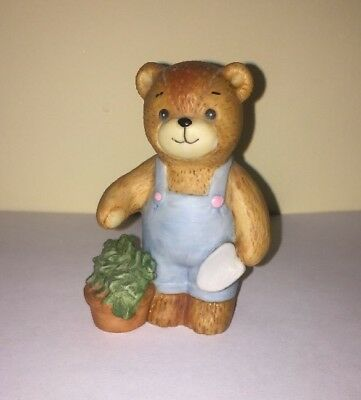 Vintage Enesco Lucy and Me Figurine GARDENER BEAR 1980 Lucy Rigg