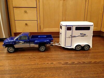 2002 BREYER Horse Pickup Truck and Horse Trailer  - Discontinued