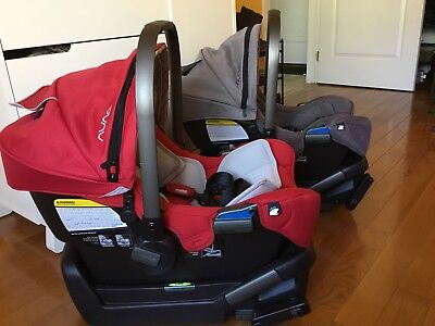 nuna pipa car seat greate condition. With base and newborn's insider