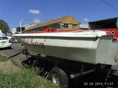Speed boat for restoration - Bertram classic runabout with trailer