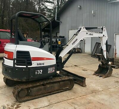 2014 Bobcat E32 Trackhoe Hyd Thumb & Blade *chk Out Vid*
