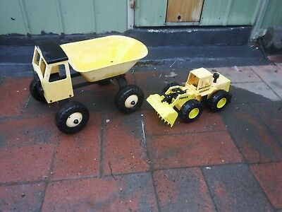 Very Large Truck  & Grader  Great For The Sandpit