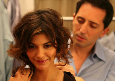 Hors de prix aka Priceless UNSIGNED photo - K7602 - Audrey Tautou & Gad Elmaleh