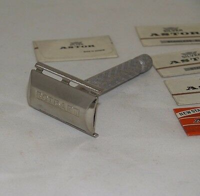 Vintage British Gillette Tech 3-Piece Safety Razor Aluminum Handle + blades #20