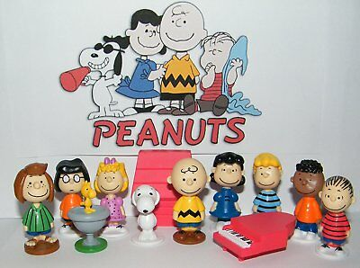 Peanuts Movie Classic Characters Toy Figure Set of 13 with Snoopy, Woodstock, a