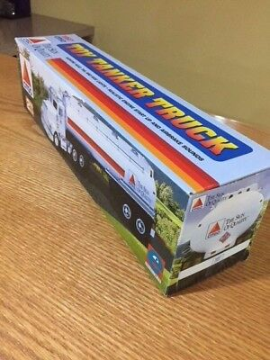 Equity Collectables, 2nd in series, 1997 Citgo toy tanker truck