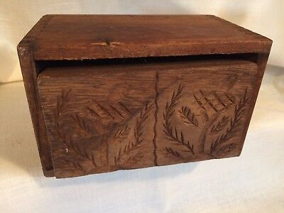 Antique Wood Butter Mold Dovetailed Case & Carved Leaf Folk Art Design