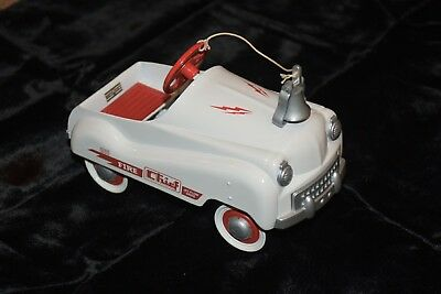 Hallmark Kiddie Car Classics FIRE CHIEF Heavy Murray MIB