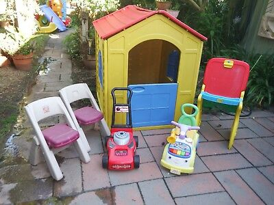Plastic Kids Cubby House Picnic table Chairs & Kitchen Good Condition
