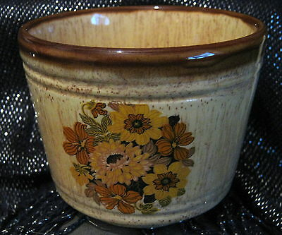 Prinknash Pottery Decorative pot with floral design approx 3.5 ins tall
