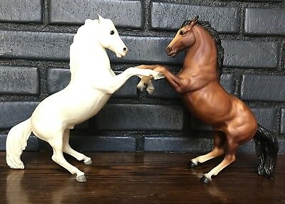 Pair Of Vintage Breyer King Fighting Stallions * Bay And Alabaster