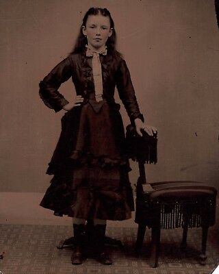 OLD VINTAGE ANTIQUE TINTYPE PHOTO of BEAUTIFUL YOUNG TEEN GIRL