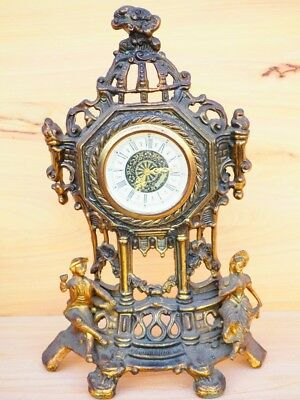 Old Large Size Brass Decorative Mantle Clock, Old Clock (H673)