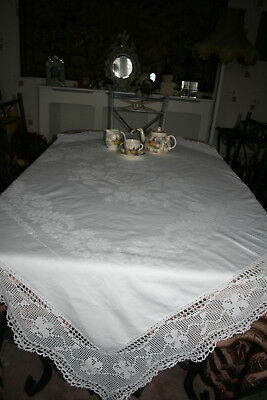 Beautiful Quality Large Linen Damask Lace Trimmed Tablecloth