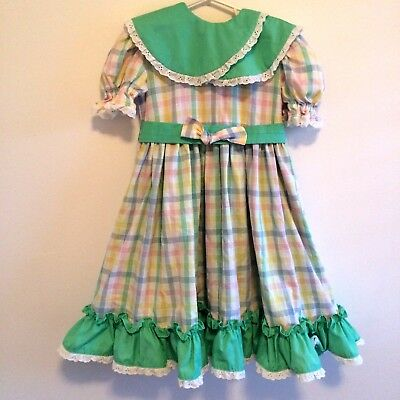 vintage girl lace ruffle twirl dress.