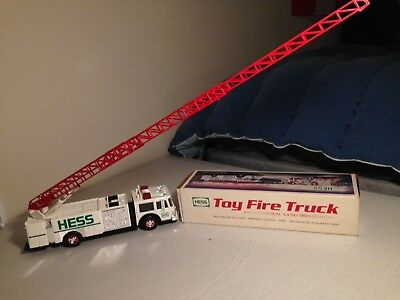 Hess Toy Fire Truck New in Box 1989 Release Working Lights and Siren