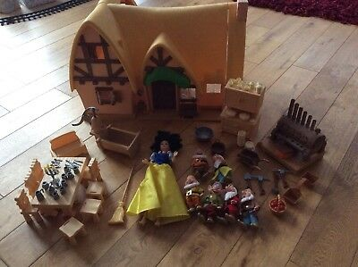 Snow White And The Seven Dwarfs Cottage Figures Play Set