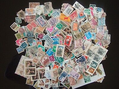 SPAIN LARGE ACCUMULATION / MIX OF 100's STAMPS MANY OLDER USED UNCHECKED