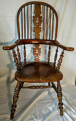 Edwardian Broad Arm Windsor Chair