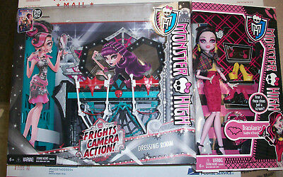 Monster High Frights Camera Action Dressing Room Playset & Draculaura Doll