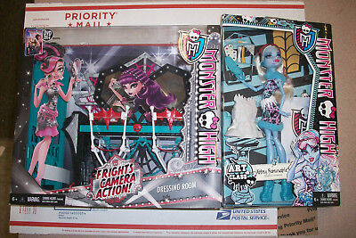 Monster High Frights Camera Action Dressing Room Playset & Abbey Bominable