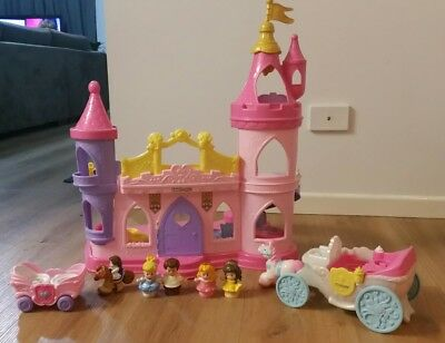 Fisher Price Disney Princess Musical Dancing Palace & Accessories