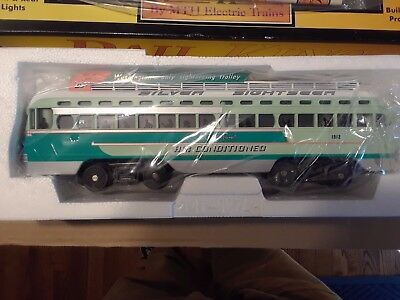 MTH 30-2510-0  Washington Silver Sightseer PCC Electric Street Car NEW IN BOX