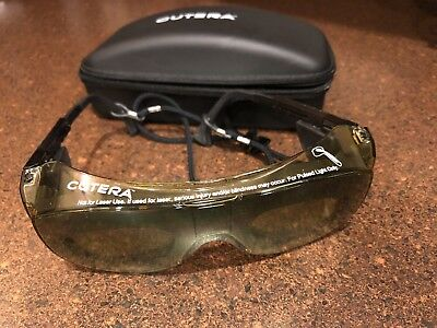 Cutera Safety Glasses with case