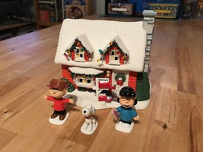 Department 56 Charlie Brown Snoopy House Charlie Brown Lucy Peanuts Christmas