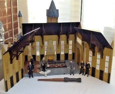 Harry Potter Hogwarts Great Hall With Figures