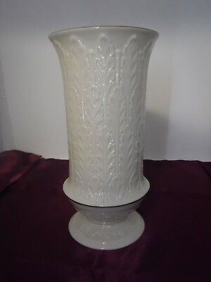 Lenox Ivory Cream 8 34 Tall Vase With Gold Trim 3000 Picclick