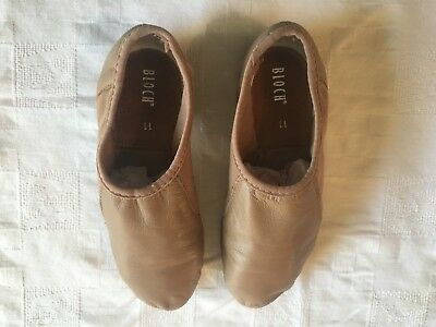 Girls tan Bloch Slip On Jazz Shoes - Size 11 - Great Condition
