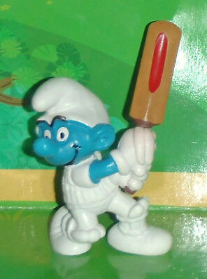 Vintage Very Rare Cricket Smurf With A Light Brown Bat 1980 W. Germany Smurf Lot