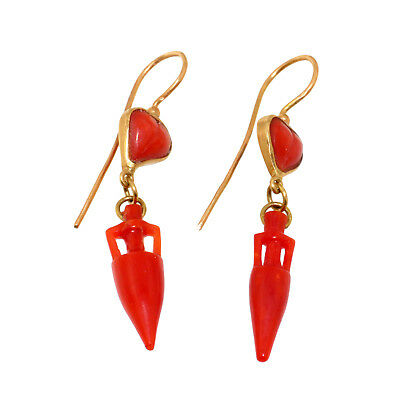 (1930)Coral and 18 carats gold earrings