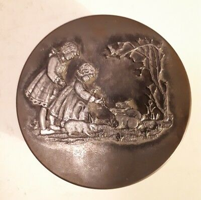 "Rare England? ""unbranded Candy/toffee?"" Tin- Empty- Cast Metal Scene Of Children"