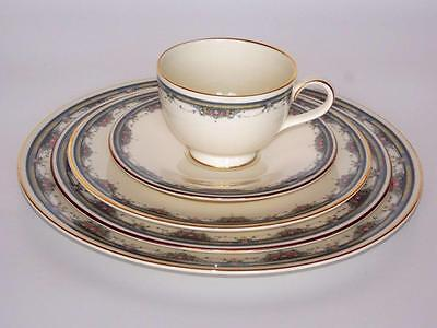 ROYAL DOULTON ALBANY H5121 complete 5 PIECE PLACE SETTINGS  (10 available)