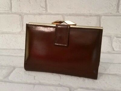 Vintage 1970's patent leather ladie's purse/ never been used