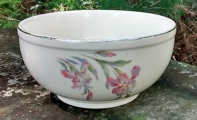"Universal ""Iris"" Ceramic Mixing Bowl 7""D 1940's Cambridge Ohio"