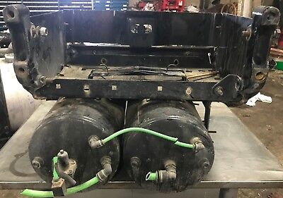 2013 freightliner cascadia battery box with 2 air tanks
