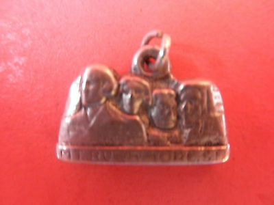 Mount Rushmoore Vintage 3-d Solid Cast Sterling Silver Charm Very Fine Detail