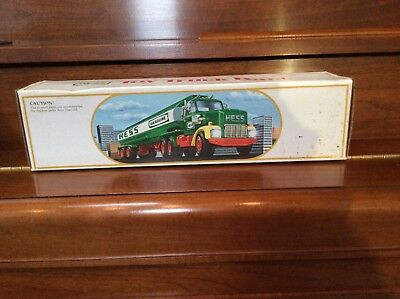 Hess Vintage 1984 Toy Fuel Oil Tanker Truck Bank w/Box