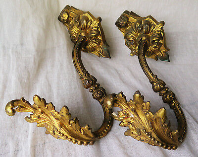 A Grand Pair Of Ornate Baroque Antique Gilt Brass Curtain Tie Back Hooks