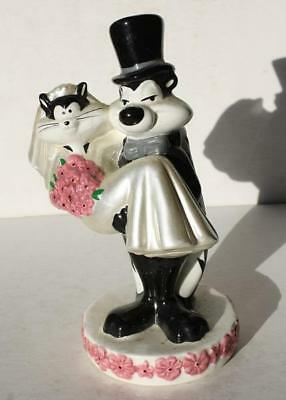 1997 Pepe LaPew and Cat Bride and Groom Wedding Cake Topper Ceramic-Porcelain